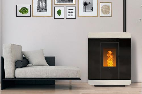 Deze programmeerbare, efficiënte en discrete pelletkachels verwarmen uw woonruimte snel. De warme lucht kan worden gekanaliseerd naar andere ruimtes, zelfs naar niet-communicatieve ruimtes. Deze kachels worden zo een volwaardig verwarmingssysteem.