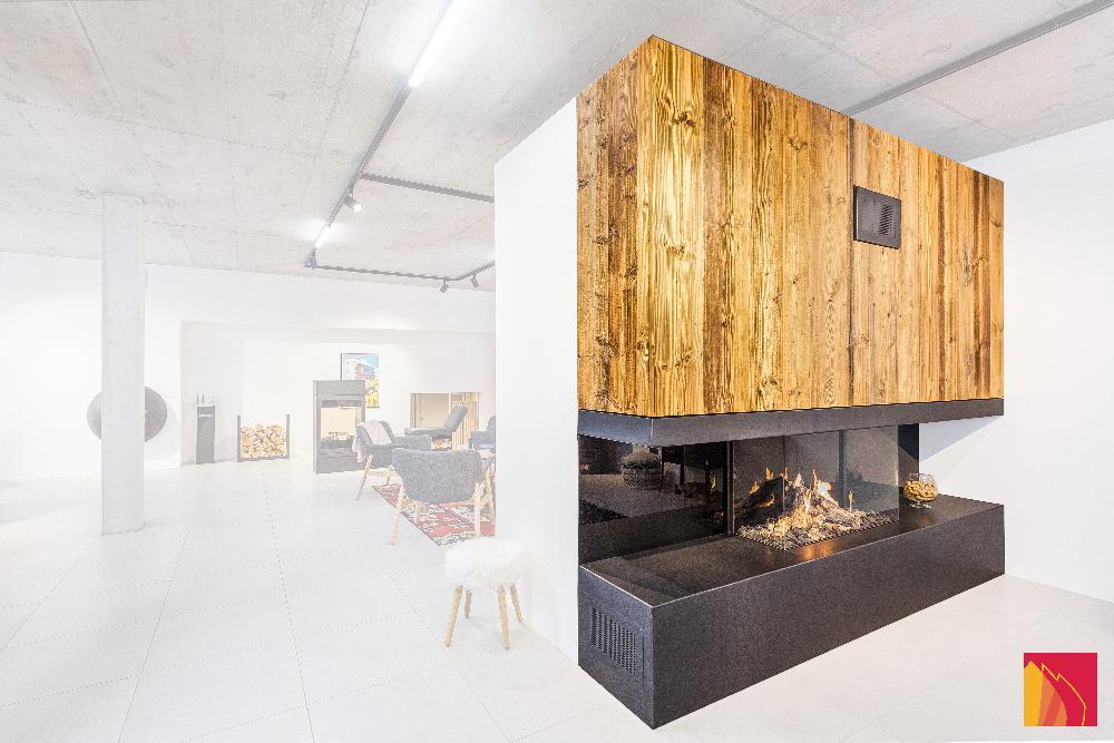 Nos foyers de cheminée allient plaisir du feu et sécurité. Choisissez la forme du foyer, l'habillage, nous construisons la cheminée. L'efficacité du pellet et le design d'une cheminée, à construire ou existante.