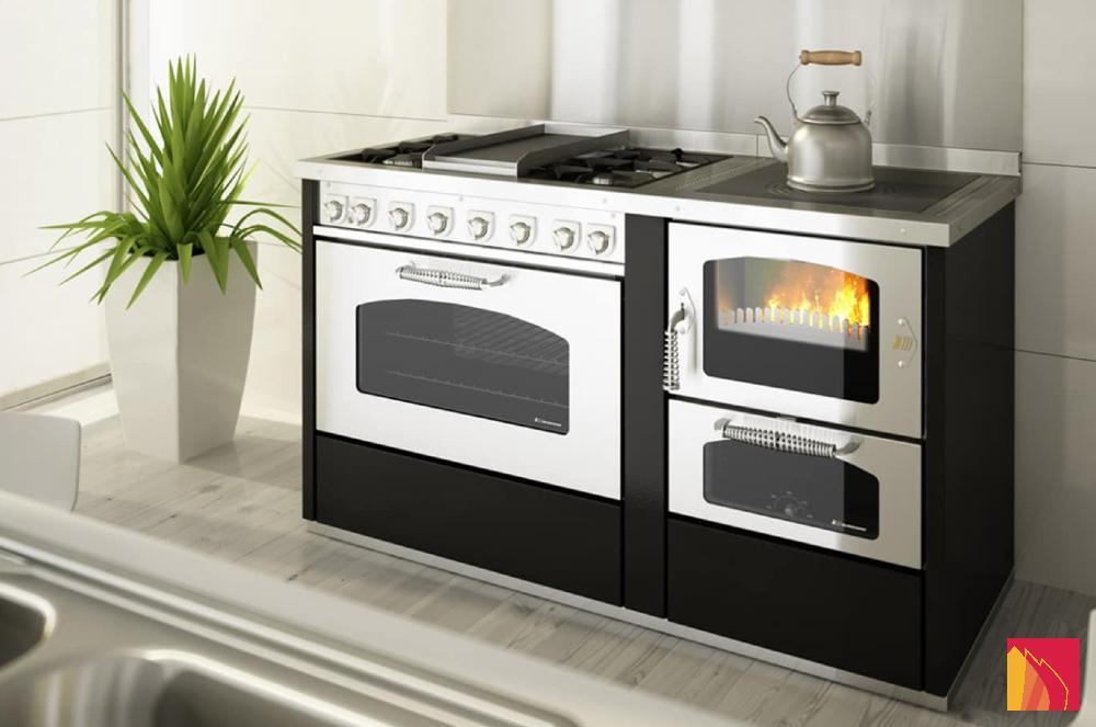 En alliant l'utile à l'agréable, ces cuisinières à bois ou ces cuisinières à pellets vous permettent de mijoter de bons petits plats et de chauffer votre espace de vie.